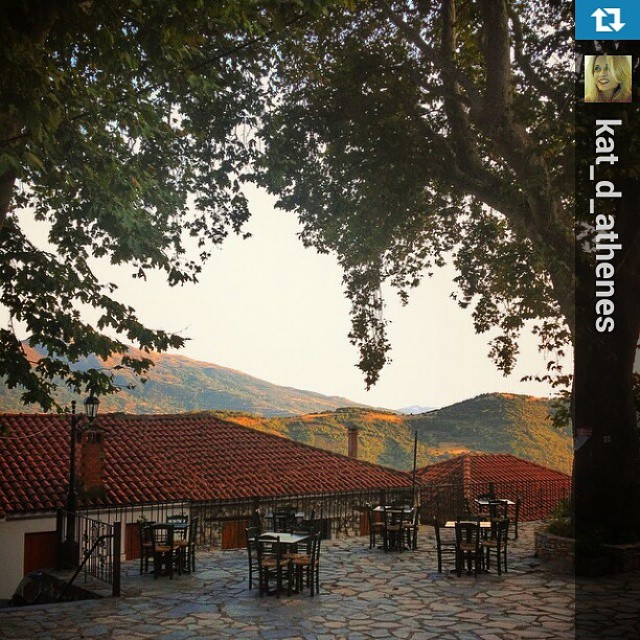 Sitting under the aged plane tree with a spectacular #Mtolympus view and a glass of #Rapsani wine. September is beautiful in the village of Rapsani #rapsanilover  #Repost from @kat_d_athenes with @repostapp — Goodbye summer...