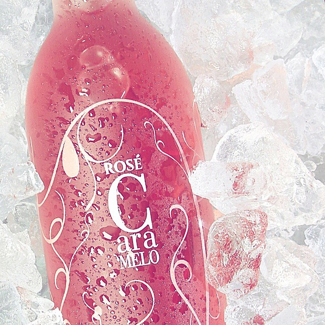 How about a cool... juicy strawberry?  #caramelo #rosé #wine #vino #drinkpink #cool #fun #inmyglass #bliss #saturday #spring #fruity #fresh #strawberry #pink #share #ice #wow #lifestyle #enjoy #friends #yummy